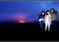 夜の赤く輝くハレマウマウ火口で!